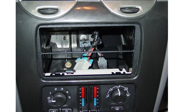 GM In-dash Receiver Kit Kit installed
