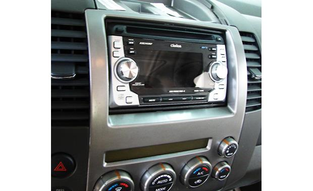 Metra 99-7581 Dash Kit Kit installed with radio (not included)