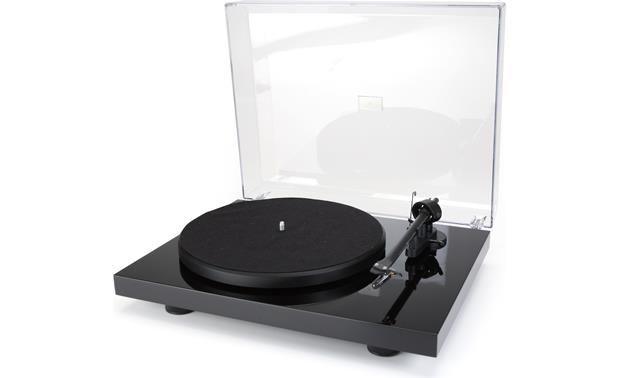 Pro-Ject Debut III Gloss black (dustcover open)
