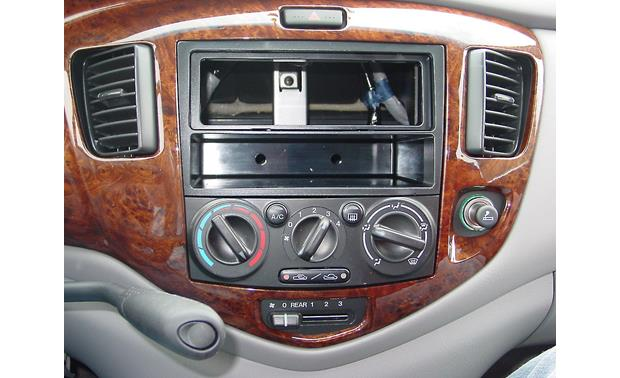 Metra 99-7502 Dash Kit Kit installed