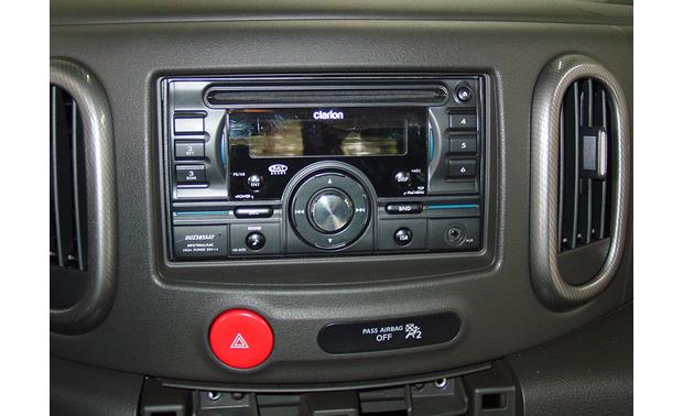 Nissan Cube In-dash Receiver Kit Kit installed