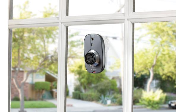Logitech® Alert™ 700i Included suction cup mount allows camera to face indoors or out