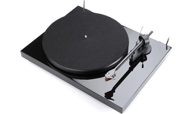 Pro-Ject Debut Carbon Gloss Black (with dust cover removed)