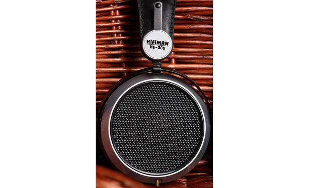 HiFiMAN HE-300 Open-back earcups produce a wide soundstage