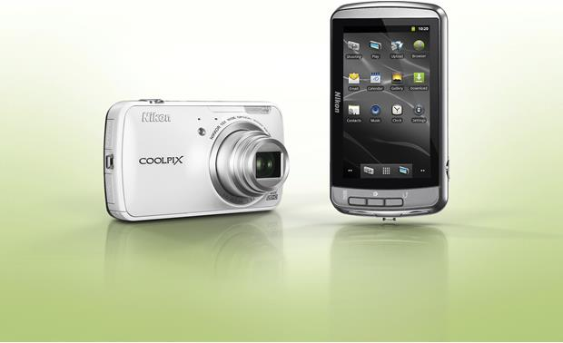 Nikon Coolpix S800c Get Android apps from Google Play (white model shown)