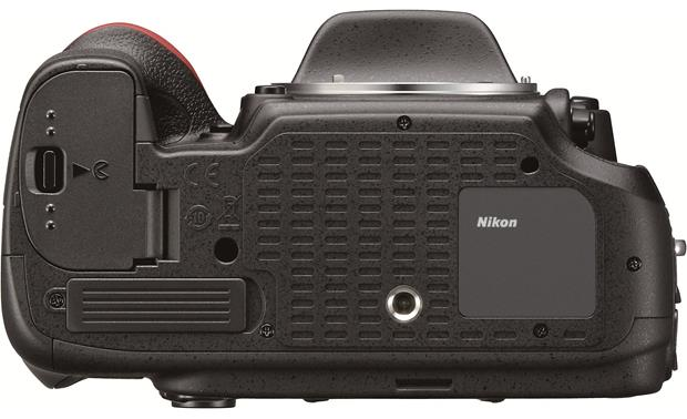 Nikon D600 with 3.5X Zoom Lens Bottom view (body only)