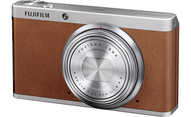 Fujifilm XF1 Lens retracts for slim profile