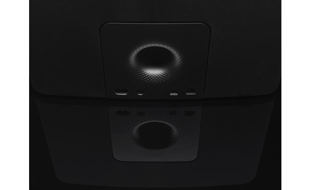Bowers & Wilkins A7 Port detail