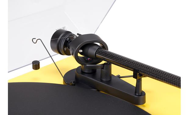 Pro-Ject Debut Carbon Closeup detail of tonearm