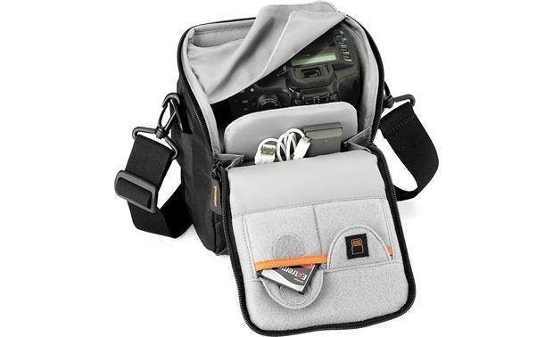 Сумка для фотоаппаратуры Lowepro Apex 60 AW черный Арт