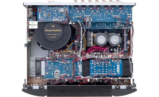 Marantz MM8077 The MM8077's interior: high current toroidal transformer at upper left
