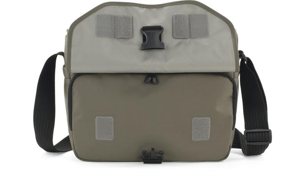 Lowepro Event Messenger 250 front flap open