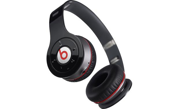 Beats by Dr. Dre® Wireless™ Earcup controls
