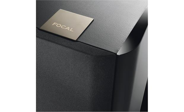 Focal Chorus 716 Close-up detail of leatherette and high-gloss black finish