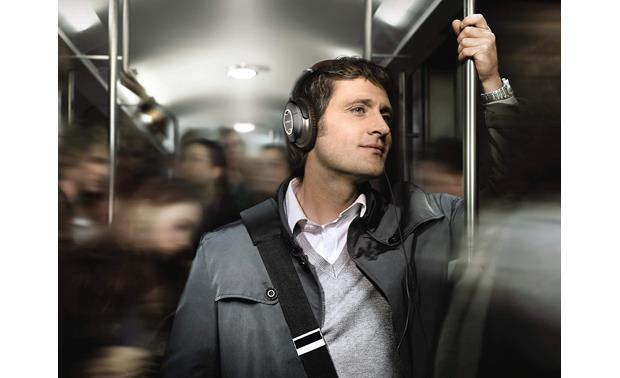 dcd5b24fa6a Bose® QuietComfort® 15 Acoustic Noise Cancelling® headphones Perfect for  noisy commutes
