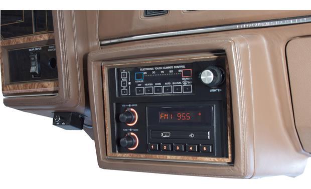 RetroSound Newport Blends right into the dash