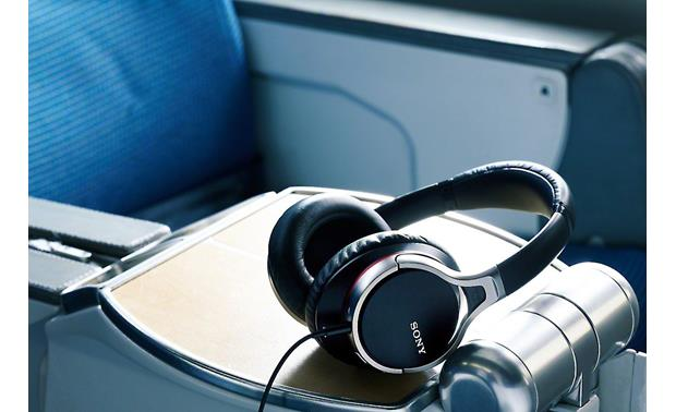 Sony MDR-10RNC Ideal for frequent travelers