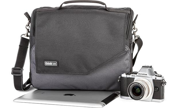 Think Tank Photo Mirrorless Mover 30i Front