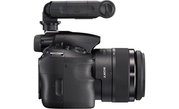 Sony HVL-F20M Tilts forward to light subjects up to 65 feet away