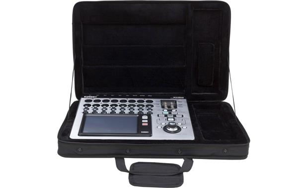 QSC TouchMix-16 Comes with padded carrying case
