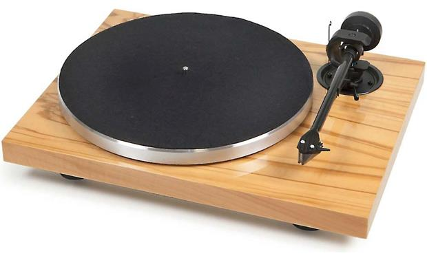 Pro-Ject 1Xpression Carbon Classic Olive Wood (dust cover included, not shown)