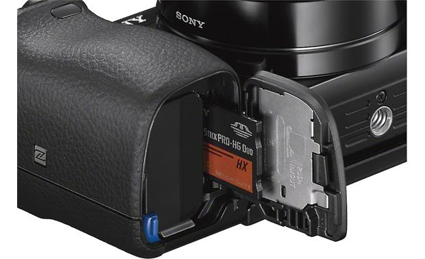 Sony a6000 Kit Memory card and battery slot (memory card not included)