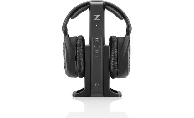 Sennheiser RS 175 Transmitter recharges headphones