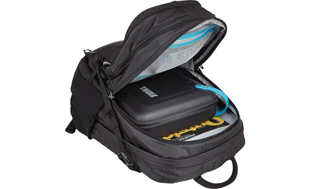 Thule TLGC-102 Fits in a backpack