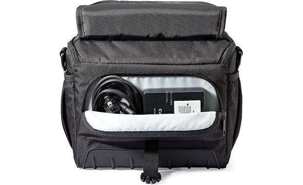 Lowepro Adventura SH 160 II Zippered internal pocket for small accessories