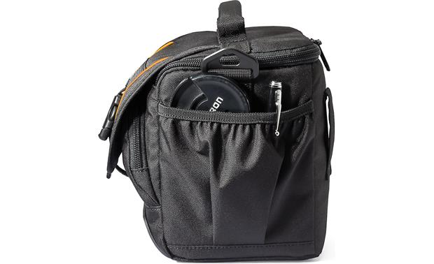 Lowepro Adventura SH 160 II Two pleated side pockets for small accessories