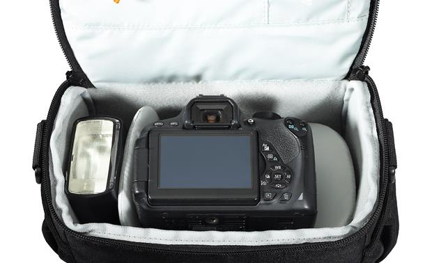 Lowepro Adventura SH 160 II Removable internal divider keeps gear organized (camera not included)
