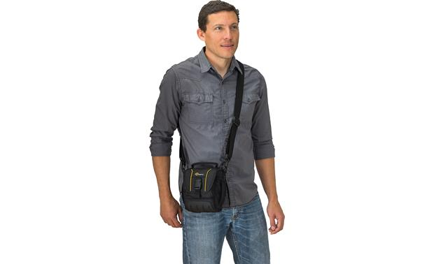 Lowepro Adventura SH 120 II Removable, adjustable padded strap adds comfort and flexibility