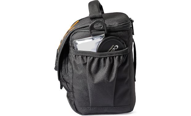 Lowepro Adventura SH 120 II Two pleated side pockets for small accessories