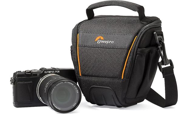Lowepro Adventura TLZ 20 II Plenty of space for a mirrorless camera and lens (not included)