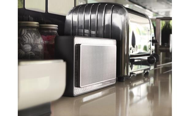 Bowers & Wilkins T7 At home in the kitchen