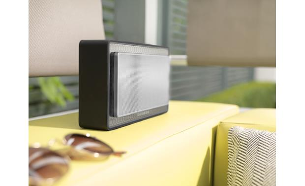 Bowers & Wilkins T7 Can be taken outside
