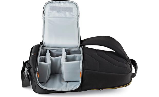 Lowepro Slingshot Edge 250 AW Removable internal dividers keep gear organized