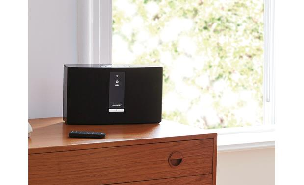 Bose® SoundTouch® 20 Series III wireless speaker Black - ideal for medium-sized rooms