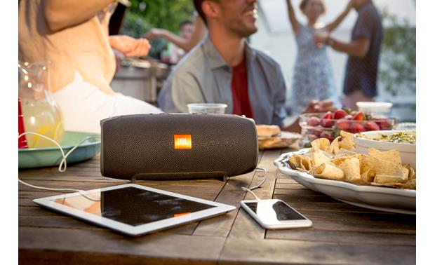 JBL Xtreme Black - recharge your devices (smartphone and tablet not included)