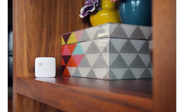 Samsung SmartThings Motion Sensor Wireless sensor easily fits in nooks and crannies