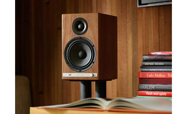 Audioengine HD6 (speaker stand not included)