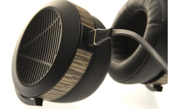 Audeze EL-8 Open-back An open-back design lets air and sound flow freely