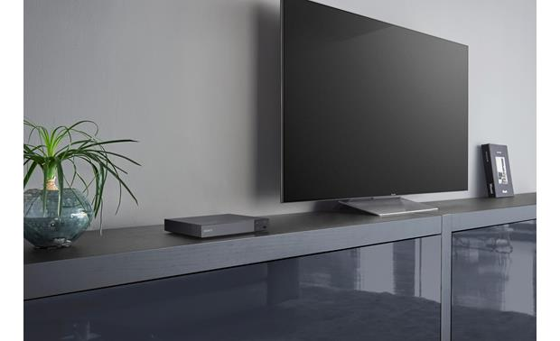 Sony BDP-S6700 Compact design fits into your TV setup