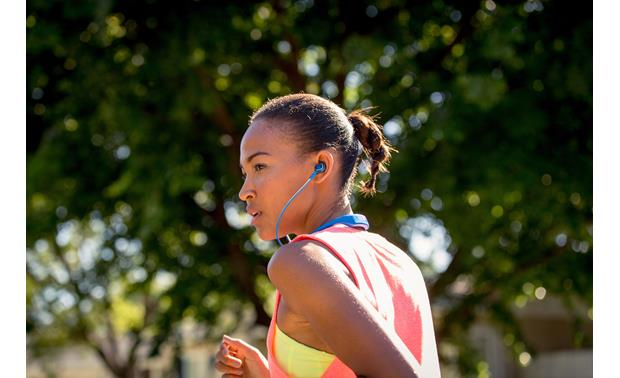 JBL Reflect Response Ergonomic sport ear tips keep headphones securely in place when you're in motion