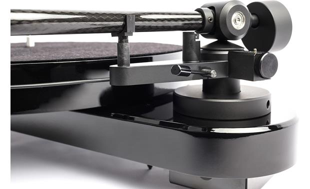 Pro-Ject RPM 1 Carbon Close-up detail of tonearm base