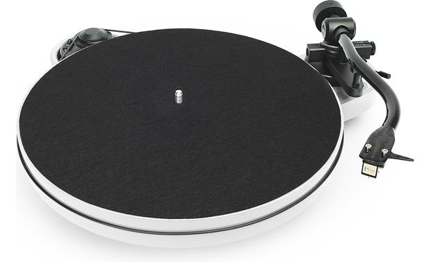 Pro-Ject RPM 1 Carbon Gloss White