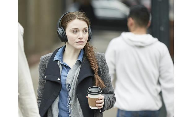 Bose® QuietComfort® 35 (Series I) Acoustic Noise Cancelling® wireless headphones Music plays wirelessly from your phone or music device via Bluetooth