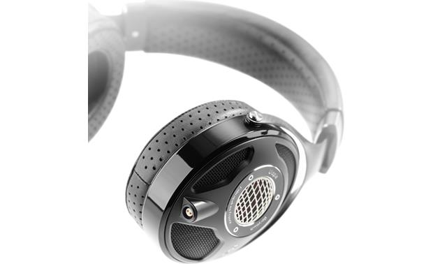 Focal Utopia and Questyle QP2R bundle Memory-foam padded earcups and headband are lined with Pittards leather