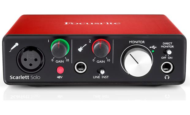 Focusrite Scarlett Solo (Second Generation) Angled front view