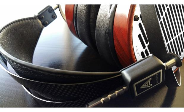 Audeze LCD-4 Carbon-fiber and leather headband uses suspension system for a no-fuss fit